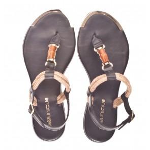 Miss Unique S26 V zwart sandaal.